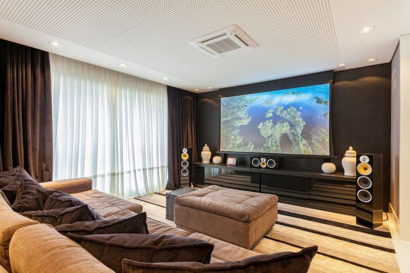decoracao de interiores blumenau:Home Theater Sob Medida otimiza espaços – Miranda Móveis Blumenau